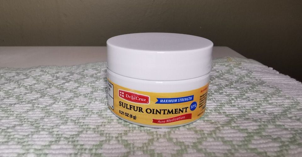 Sulfur cream from De La Cruz is one of the best treatments for reducing cystic pimples and other kinds of acne.